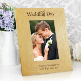 Personalised Oak Finish 6x4 Wedding Day Photo Frame