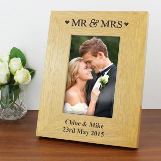 Personalised Oak Finish 6x4 Mr & Mrs Wooden Photo Frame