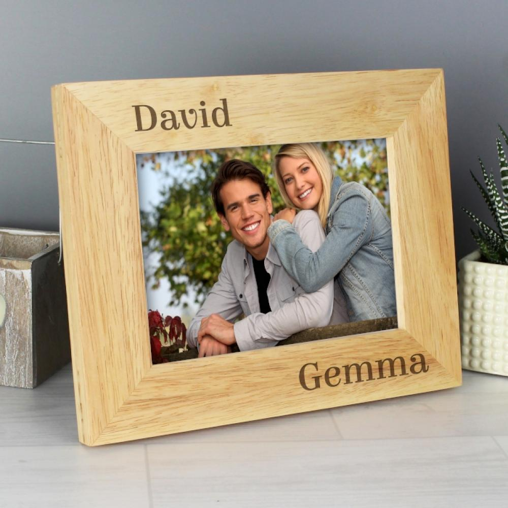 fe18f6472c3 Personalised 6x4 Couples Wooden Photo Frame - Just The Right Gift