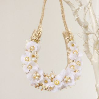 Rustic Twine Wedding Horseshoe with White Flowers Pearls & Gold Decoration